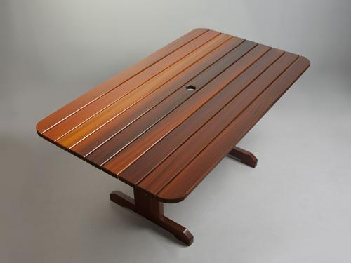 ... Patio Table ...